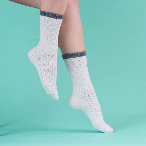 Website design and development for Cameo Socks, socks manufacturer and distributor in Montreal.