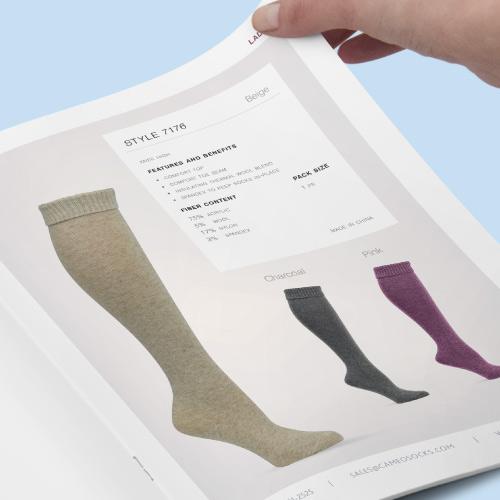 Conception du gabarit et mise en page des catalogues de chaussettes et bas pour Cameo Socks. Aperçu de projet